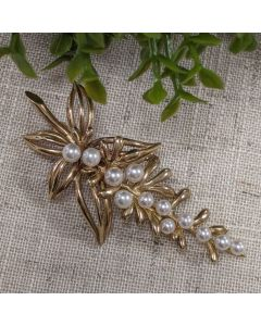 9ct Yellow Gold Brooch with Cultured Pearls