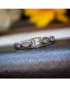 Pre-owned Platinum 0.30ct Diamond Solitaire With Diamond Shoulders