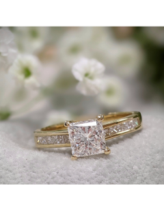 Pre-Owned18ct Yellow Gold Diamond Ring